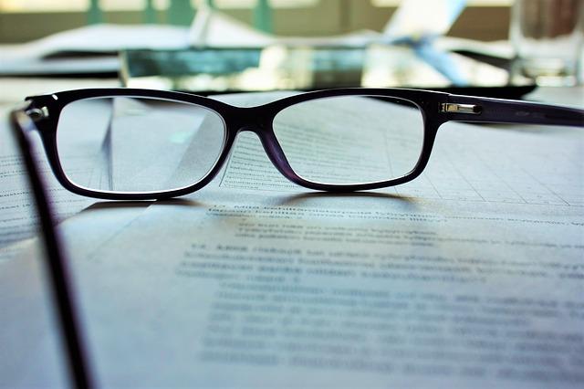 glasses-983947_640-1