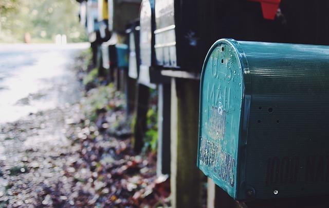 mailbox-595854_640-1